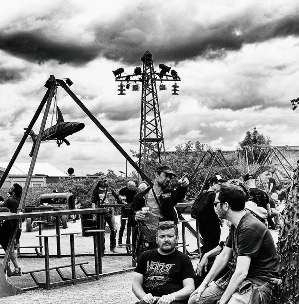 Madneom-Espace Vip Hellfest 2016 – Comptoir Pyramide – Copie