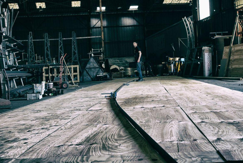 Madneom- Atelier menuiserie – prepa facade tonneau – bar muscadet Hellfest 2016