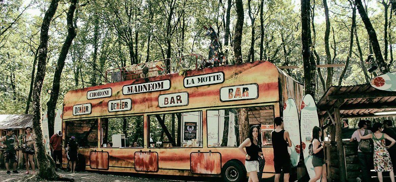 Façade bus