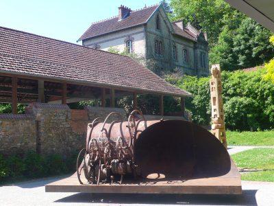 sculpture-la-deferlante-la-briquetterie