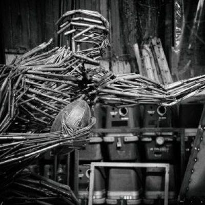 Sculpture-rugbyman-Madneom-400×300