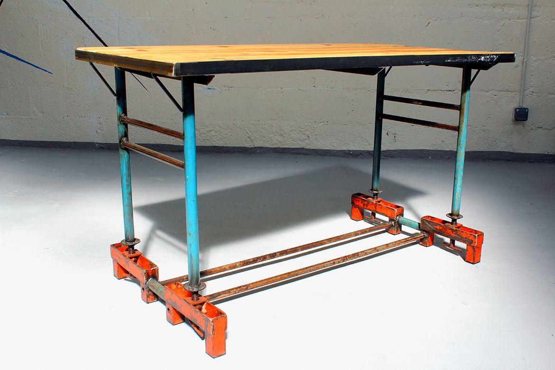 table 4 places madneom the roof brest madneom. Black Bedroom Furniture Sets. Home Design Ideas