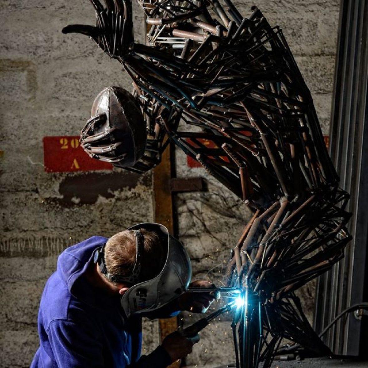Sculpture rugbyman Benjamin Henry Atelier Madneom