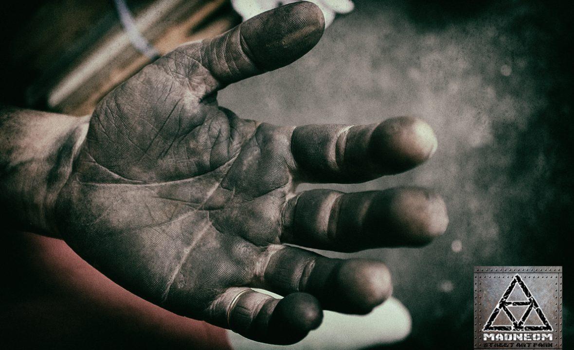 mains noires