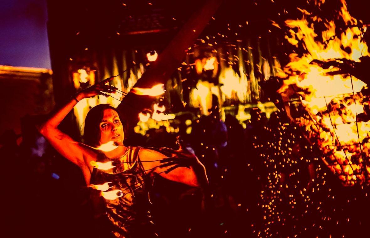 societe ricard live music chloe firefly madneom street art park