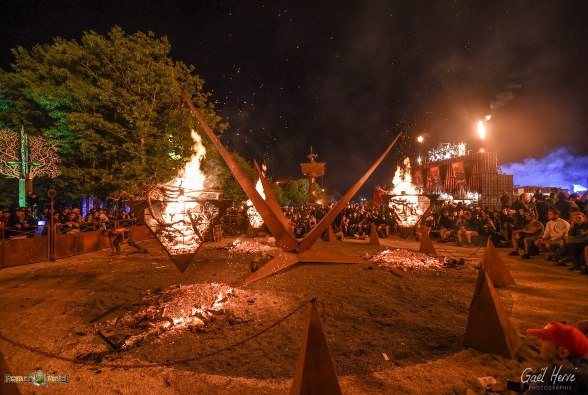 gael herve photo pyramide feu