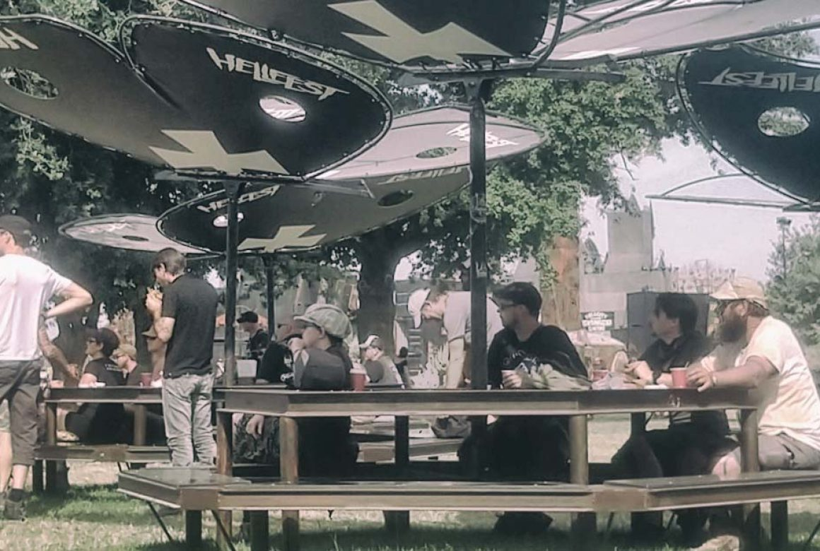 table papillon Madneom Hellfest 2019